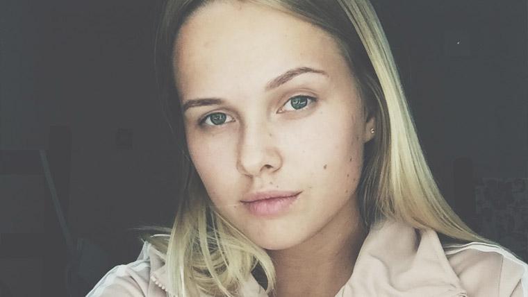 Голая Девушка Рисава Анастасия Михайлова