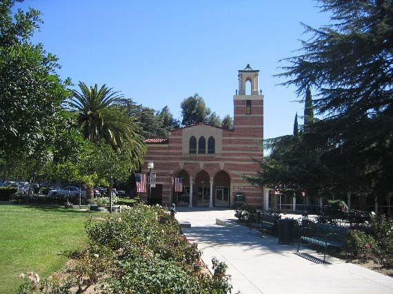 Woodbury University, Los Angeles - курсы для детей